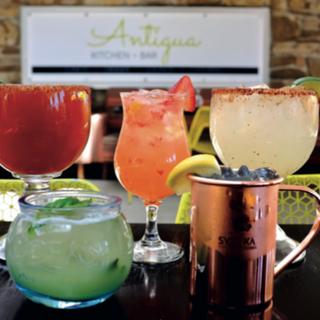 Antigua Kitchen + Barの写真