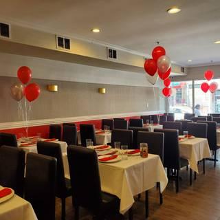 A photo of Pariwaar Delights restaurant