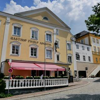 A photo of Hotel-Gasthof Zwölf Apostel restaurant