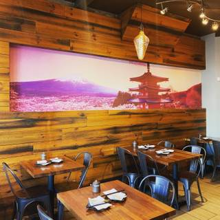 Foto von OKI Sushi Restaurant