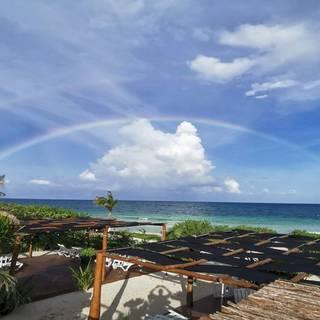Foto von Hayhu Beach Club Restaurant