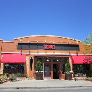 A photo of Uno Pizzeria & Grill - Sturbridge restaurant