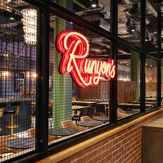 Foto von Runyon's Restaurant at Hotel Brooklyn Restaurant
