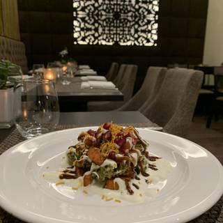 Foto von Navadhanya Scotland Restaurant