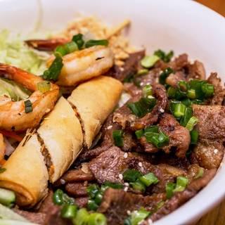 Foto von XinhXinh Vietnamese Bistro Restaurant