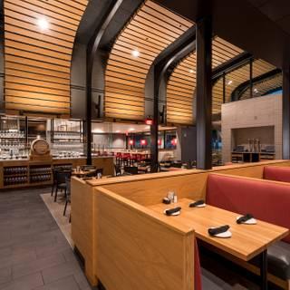 A photo of Cooper's Hawk Winery & Restaurant - Naples restaurant