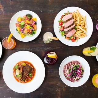 A photo of Oliver & Bonacini Café Grill, Yonge & Front restaurant