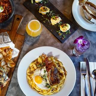 Foto von Hop Haus Restaurant