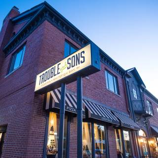 Trouble and Sons Pizzeriaの写真