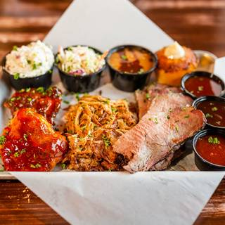 Una foto del restaurante Buckboard's Barbecue & Brew