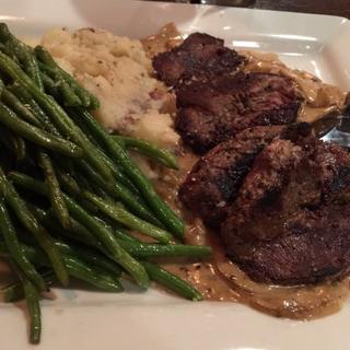 Foto von TJ's on Cedar Restaurant