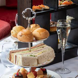 Foto von Afternoon Tea at The Oakley Court Restaurant