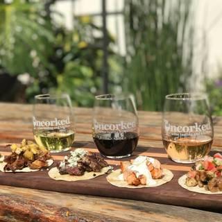 Uncorked Wine Tasting & Kitchenの写真
