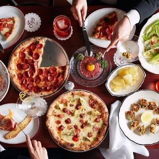 A photo of Pepe's Italian & Liquor restaurant