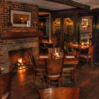 Tavern On Mainの写真