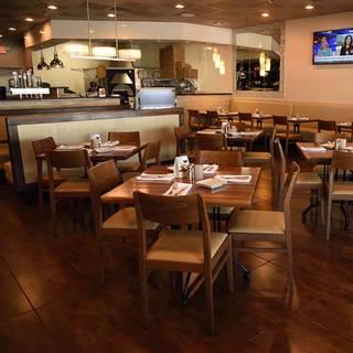 A photo of Cucina Moderna - Boynton Beach restaurant