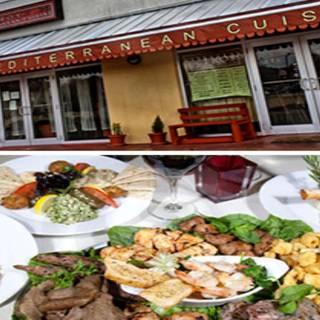 Troy Mediterranean Cuisineの写真