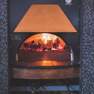 A photo of Enoteca Monza Pizzeria Moderna- Downtown restaurant