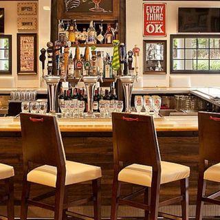 A photo of Burger Theory - Holiday Inn Atlanta Airport South restaurant
